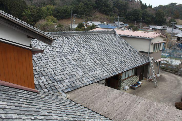 『屋根葺き替え工事・ルーガ雅 KMEW』三重県津市白山町 N様ビフォー画像