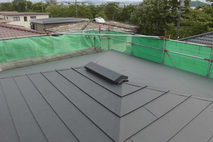 『屋根葺き替え工事・ガルテクトF アイジー工業』三重県名張市桔梗が丘 U様アフター画像