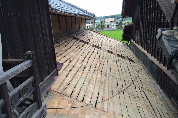 『屋根葺き替え工事・金属屋根たてひら』三重県津市河芸町 N様ビフォー画像